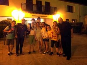 Peregrinos en Puerta del Hotel