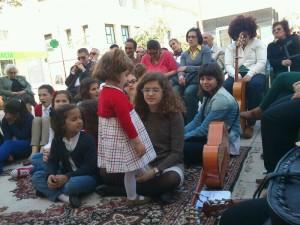 La espontaneidad de los niños; la salsa y la alegría de la misión
