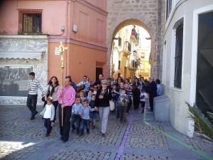 Procesión por el Arco de la Rosa hacia la Plaza de la Catedral